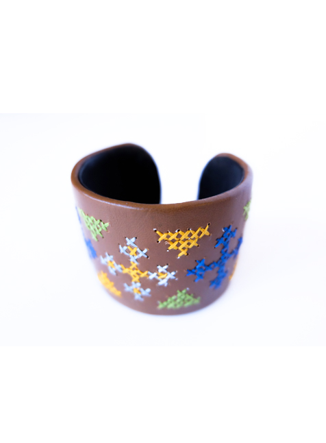 Leather Cuff 3 (Brown with cross pattern)